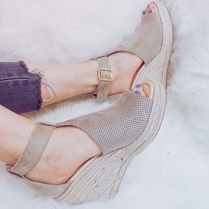 Shoes - DANNY Comfy Wedges - CLAY